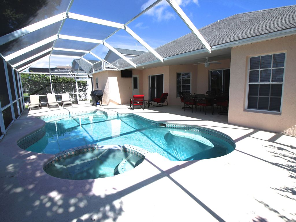 acheter une villa meublée en Floride avec Auxandra