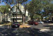 Extérieurs et parking de la résidence central park en Floride