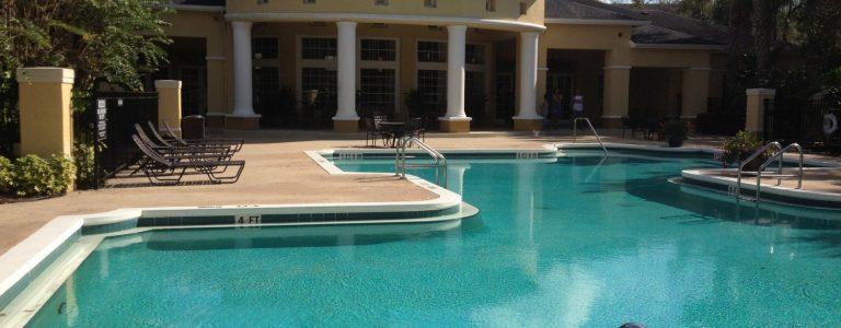 piscine à Orlando dans une résidence de condos