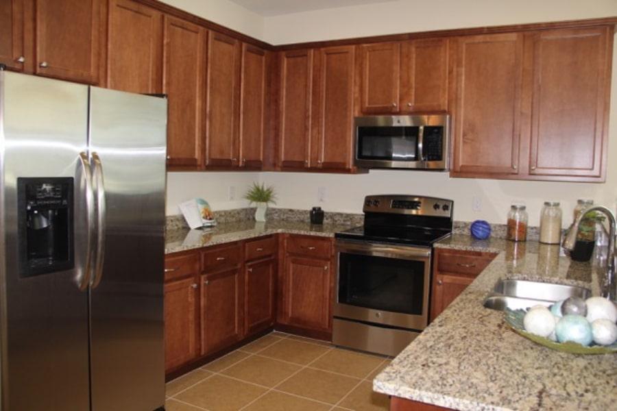 cuisine refaite dans un bien immobilier en Floride, rénovation Auxandra