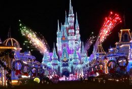 Feux d'artifices de Magic Kingdom pour Noël à Orlando