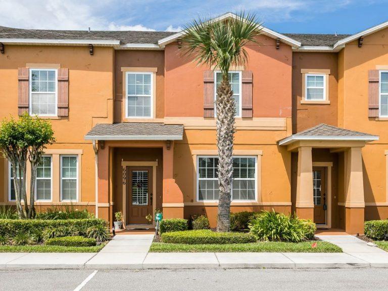 facades de maisons de ville typiques de Floride