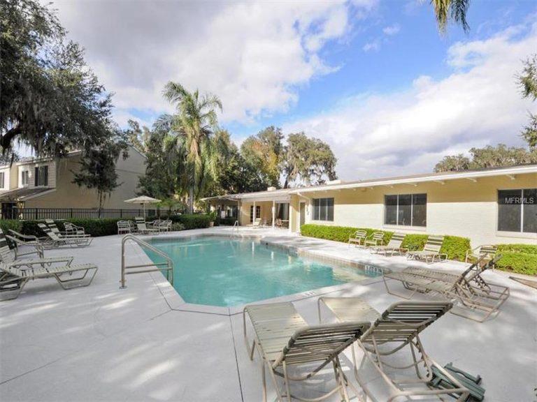 piscine privée de la résidence