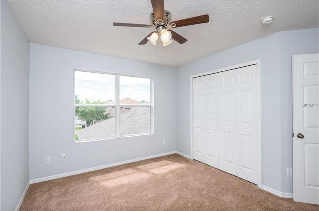 chambre repeinte par l'equipe de renovation dans un appartement vendu par Auxandra
