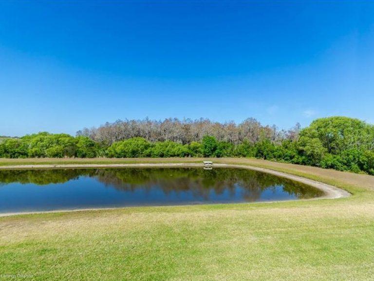 Petit lac d'une villa à vendre à Altamonte Springs en Floride