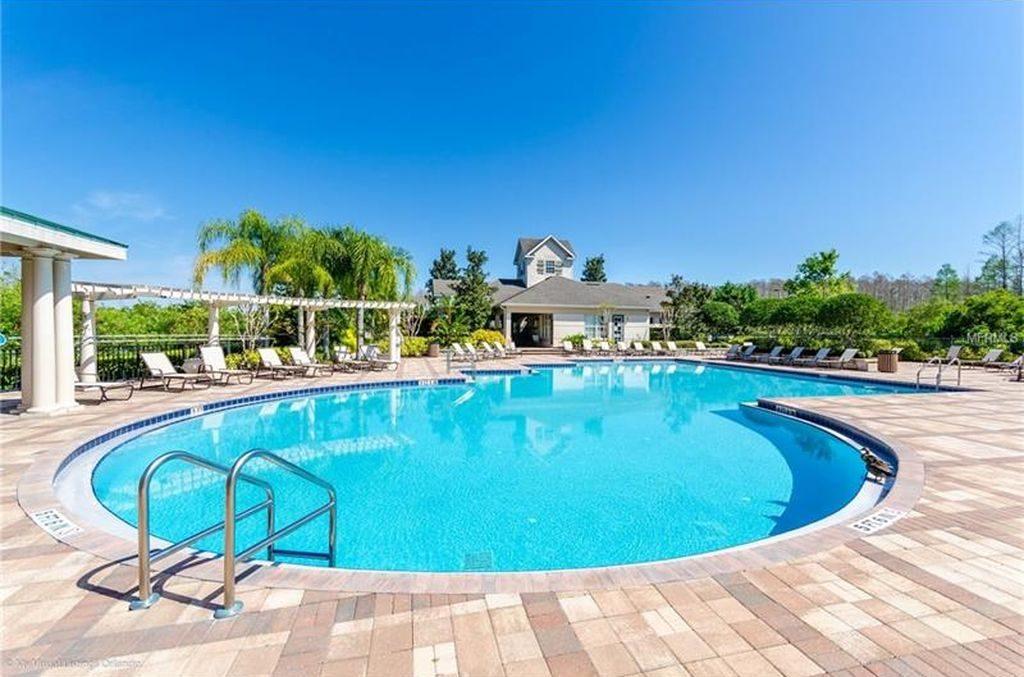 Piscine d'une résidence d'appartements à vendre à Lake Mary en Floride