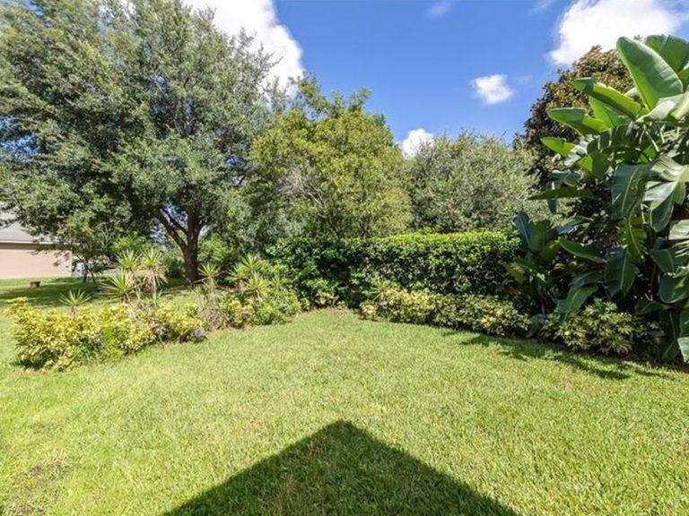 jardin privé d'une villa en Floride