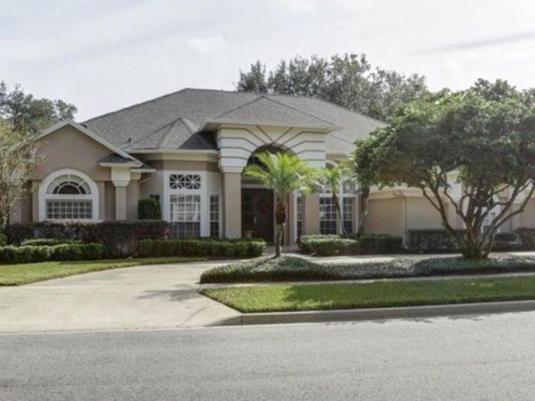 entrée d'une villa typique de Floride