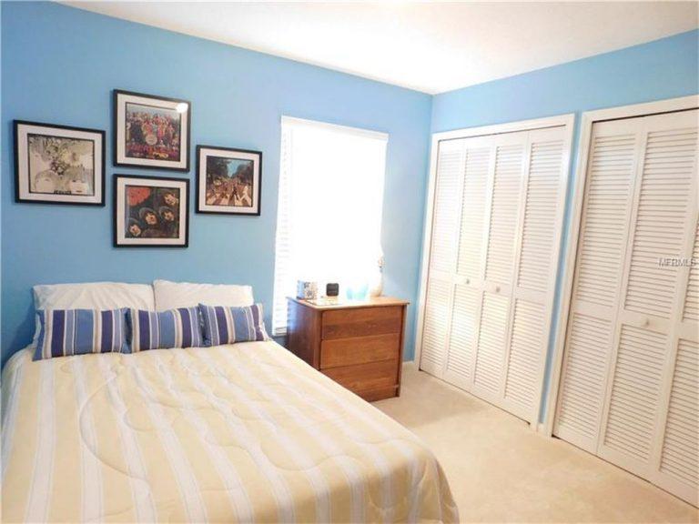 chambre d'amis bleue