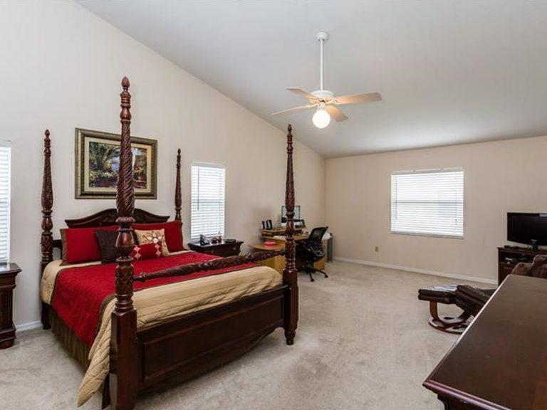 grande suite parentale avec lit king size