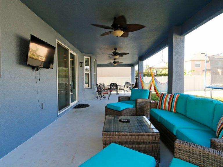 terrasse avec salon d'extérieur