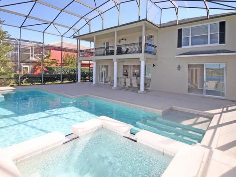 piscine privée de la villa