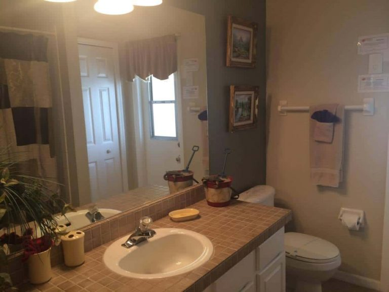 grande cabine de douche de la villa meublée vm4 à vendre en Floride