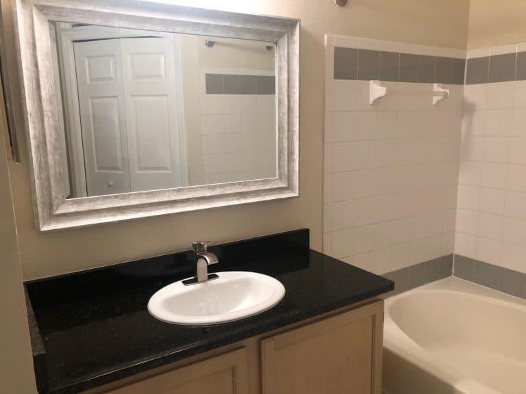 salle de bain refaite par la société auxandra immobilier en floride