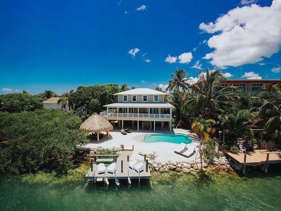 superbe villa de luxe au bord de la mer dans les keys de Floride