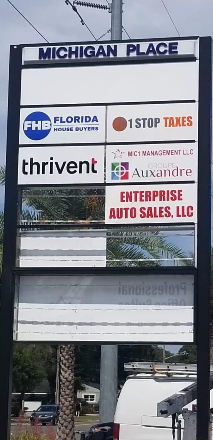 Panneau d'indication des locaux de notre filiale à Orlando