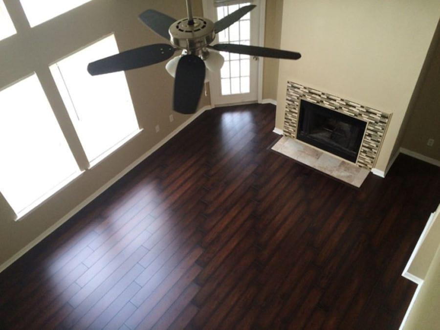 exemple de salon d'un appartement en Floride rénové par Auxandra