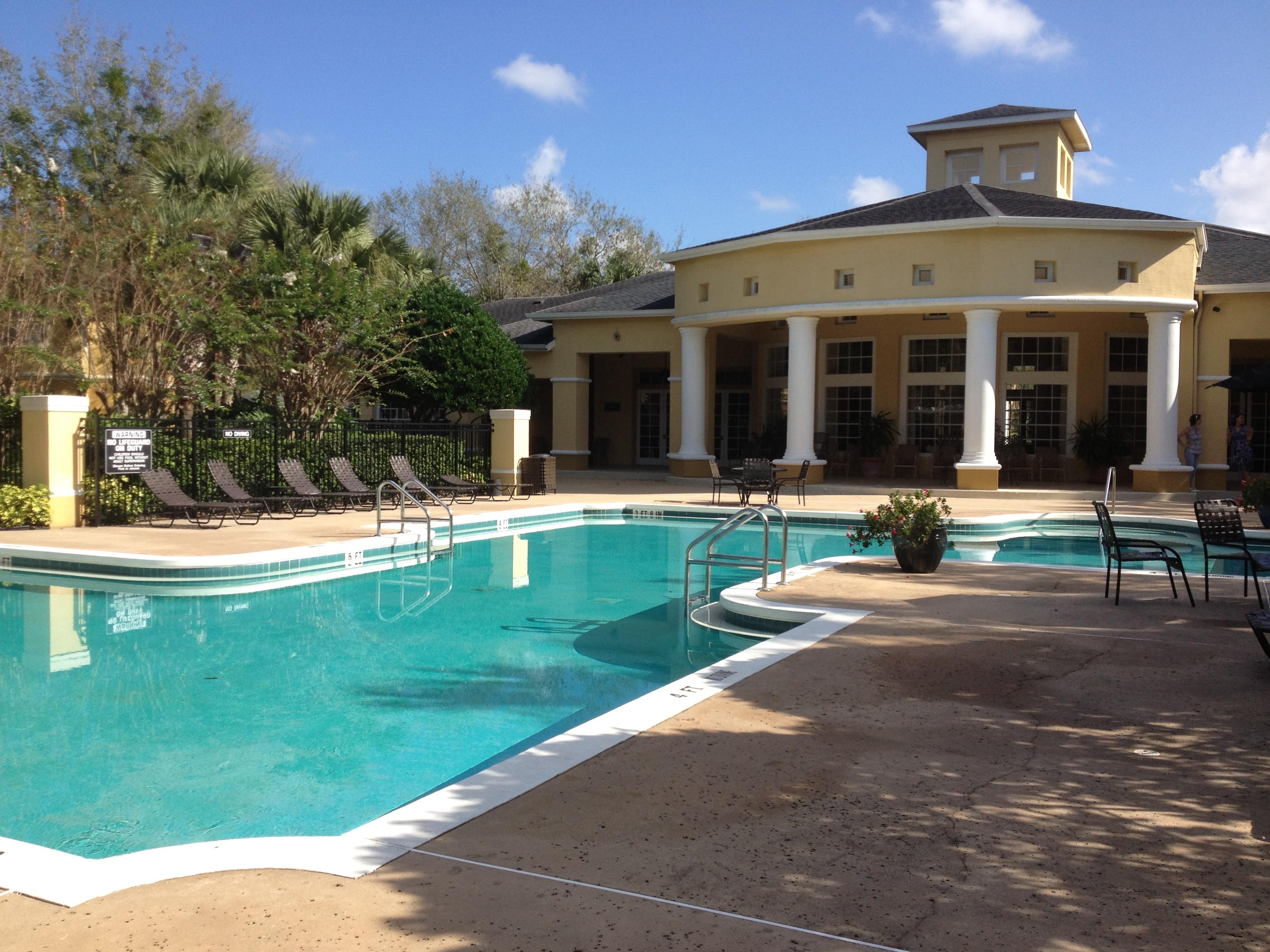 piscine du clubhouse de la résidence Madison à Orlando en Floride
