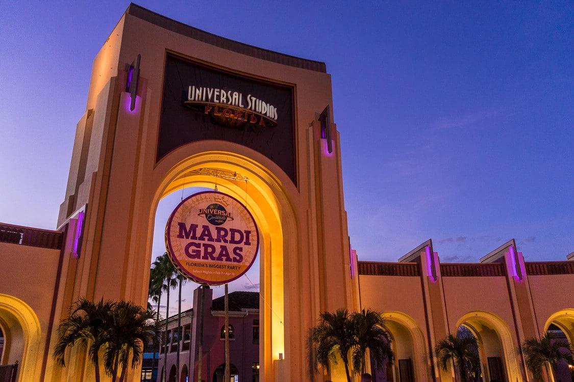 Entrée d'Universal Studios d'Orlando pendant Mardi Gras