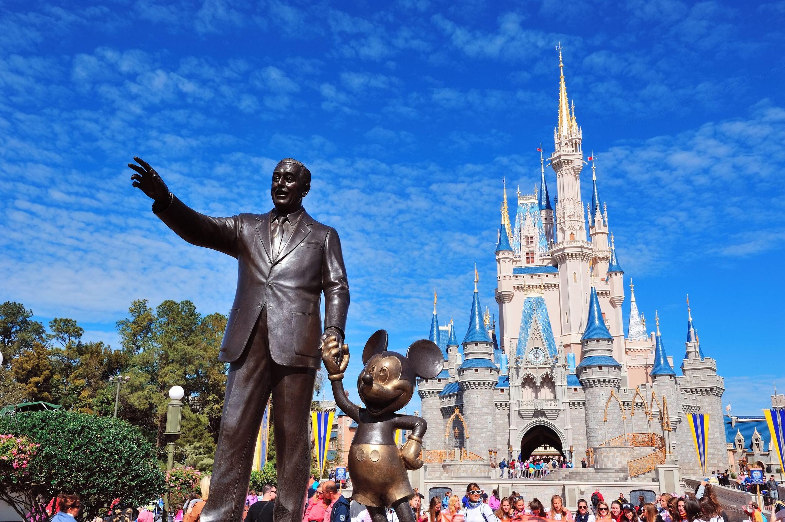 Statue de Walt Disney dans le parc Magic Kingdom à Orlando en Floride