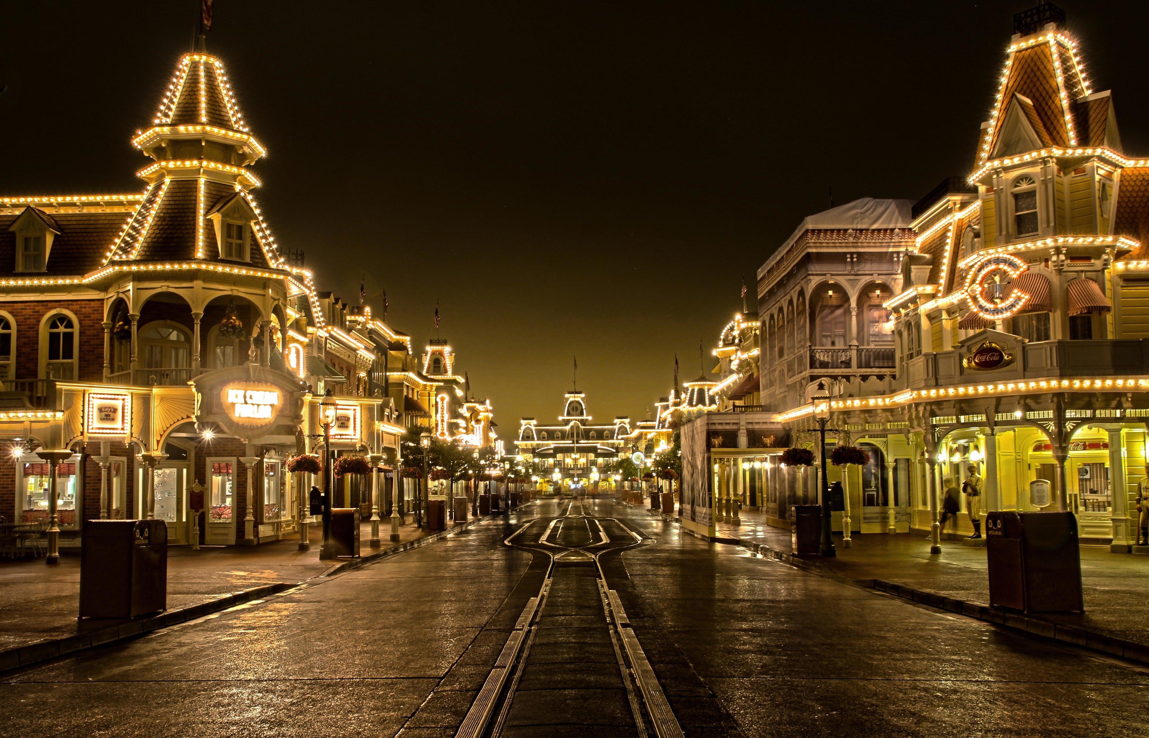 Main Street à Magic Kingdom en Floride de nuit