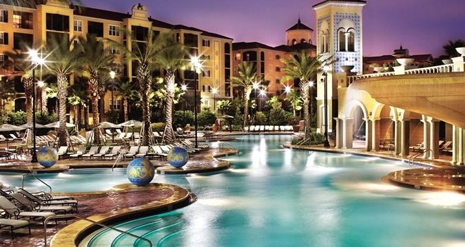piscine d'un complexe de multipropriétés à Orlando en Floride